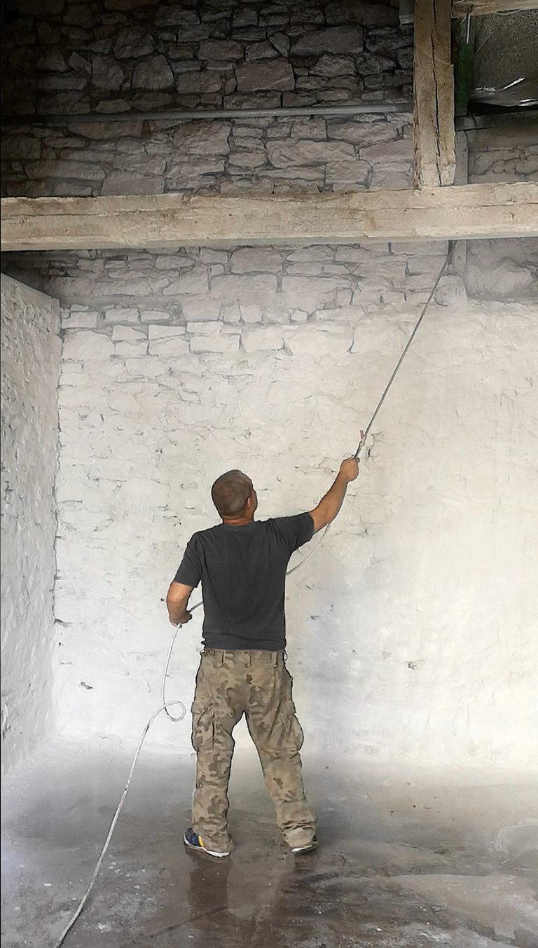 bielenie białkowanie ścian wapnem