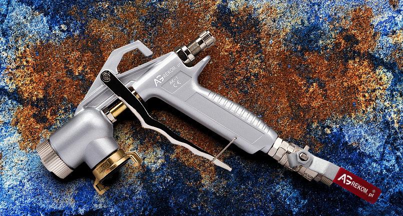 pistolet tynkarski z dolnym podejściem